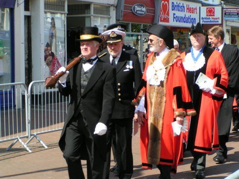2nd Cmdr J Sykes - 3rd Mayor Keith Gill High St Gosport Hants Falklands 3rd June 2007 - By Adrian Newton